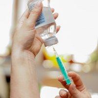 Hlavní obrázek - Stát asi bude odškodňovat rodiče, jimž zemře dítě po očkování