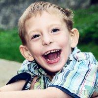Hlavní obrázek - Povinnost nošení roušek se nově nevztahuje na osoby s poruchou autistického spektra a členy domácnosti jedoucí v autě